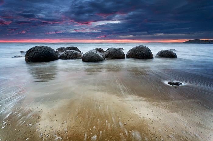 حلقه های گرد در ساحل نیوزیلند