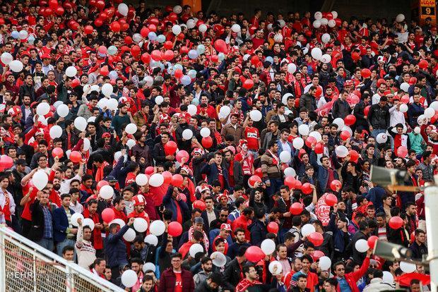 حضور 20 هزار نفری هواداران، تشویق سبز و قرمزها در استادیوم