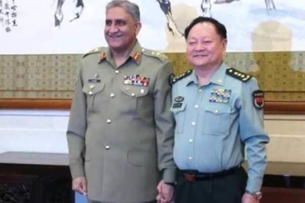 دیدار فرمانده ارتش پاکستان با مقام نظامی چینی