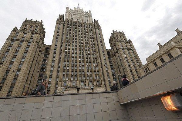 تکذیب ارتباط دیپلمات های روسیه با آسانژ
