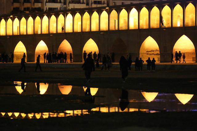 چرا کار اصفهان به جیره بندی آب نکشید؟