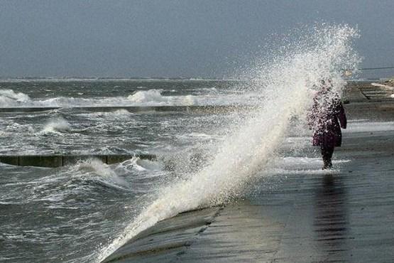 خلیج فارس تا دوشنبه مواج و متلاطم است