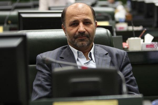 قره خانی در گفت وگو با خبرنگاران: وزارت نفت ساختار نوینی برای عرضه نفت در بورس انرژی ندارد