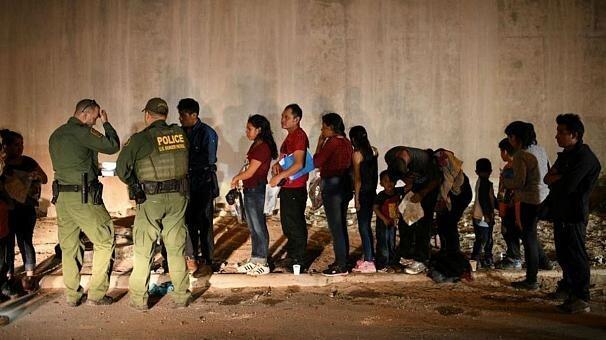 شکایت 19 ایالت آمریکا از ترامپ به دلیل بازداشت نامحدود مهاجران