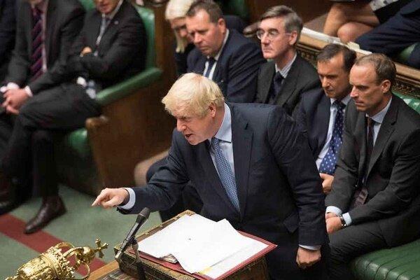 جانسون از اعمال فشار بر مجلس اعیان عقب نشینی کرد