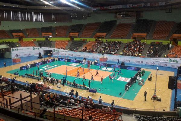 خوش و بش لوزانو با ملی پوشان والیبال ایران