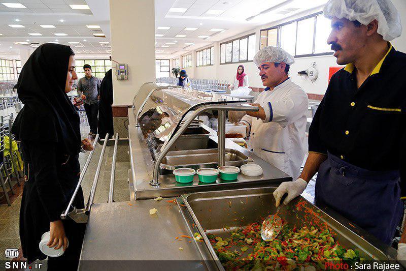 دانشجویان دانشگاه اصفهان امکان استفاده از یارانه غذا برای غذا های فست فود را دارند