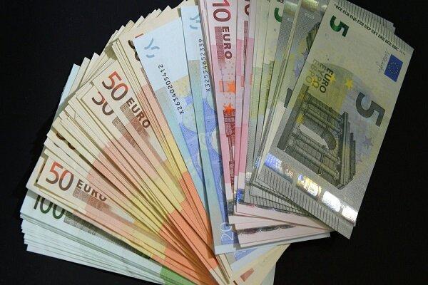 افزایش نرخ رسمی یورو، قیمت پوند بانکی کاهش یافت