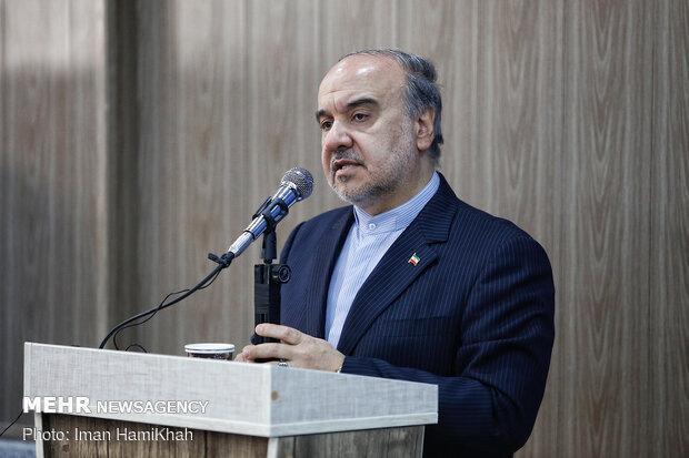 سلطانی فر: عزم دولت برای واگذاری استقلال و پرسپولیس جدی است
