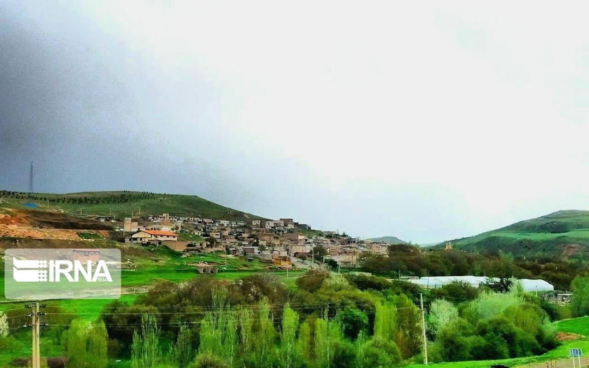 خبرنگاران ایجاد اقامتگاه بوم گردی در روستاهای سقز برای توسعه گردشگری لازم است