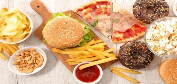 اگر فشار خون بالا دارید قبل از خوردن این 15 خوراکی دست نگه دارید